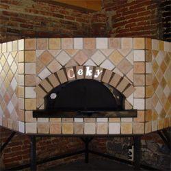 Four à pizza pentagonal, ceky